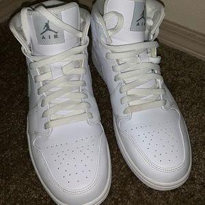 Air Jordan 1 Retro Mid White